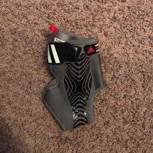 Adidas speed wrap left ankle brace